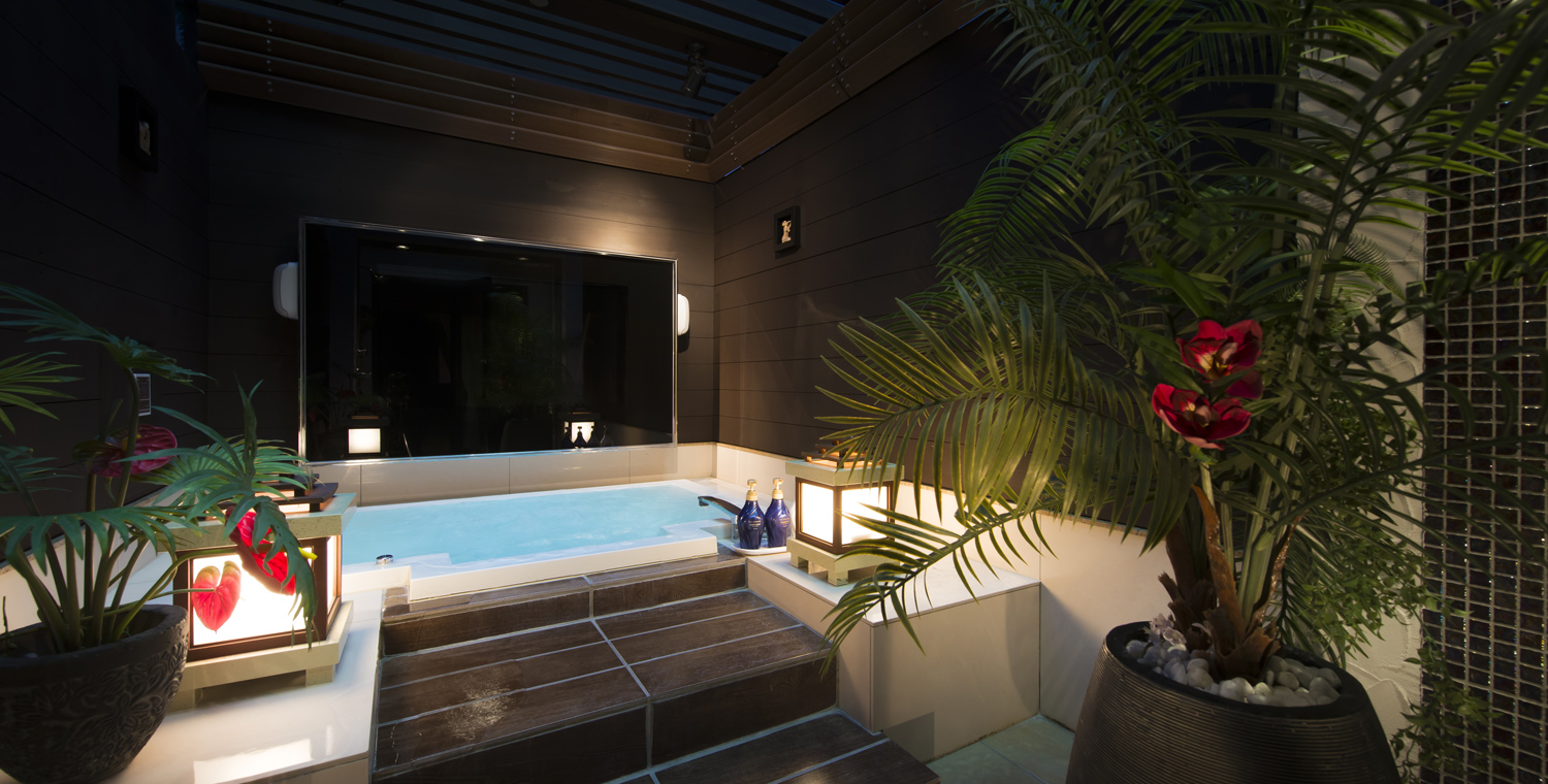 https://w-hotels.net/wp-content/themes/whotels/common/img/w-bagus/hero/hero02.jpg